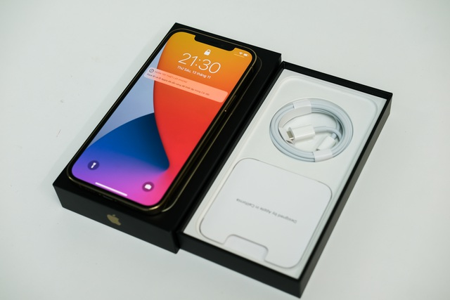 iPhone 12 qua sử dụng ồ ạt về Việt Nam, giá từ 17 triệu đồng - 2