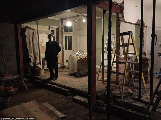 Mua nhà xấu nhất phố, đôi vợ chồng khiến hàng xóm ngỡ ngàng khi cải tạo lại - 4