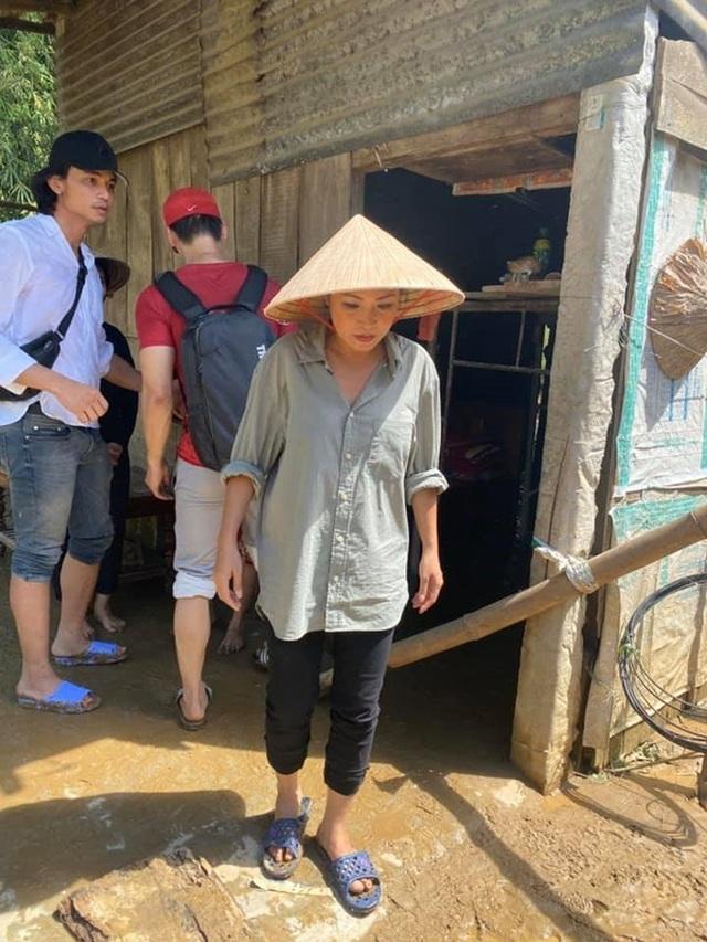 Ca sĩ Phương Thanh gỡ status ồn ào, công khai xin lỗi người dân Quảng Ngãi - 1