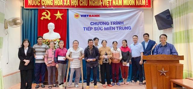 CBNV Vietbank đồng lòng chia sẻ với miền Trung những ngày bão lũ - 4