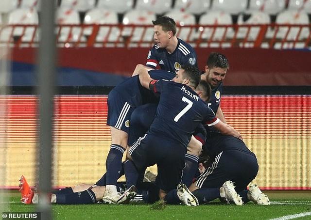 Xác định xong 4 đội bóng cuối cùng dự Euro 2021 - 4