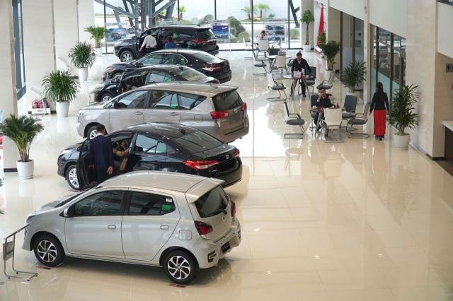 Mua ô tô gần Tết: Khách mòn mỏi chờ xe, sẵn sàng chịu đắt hơn 50 triệu đồng - 3