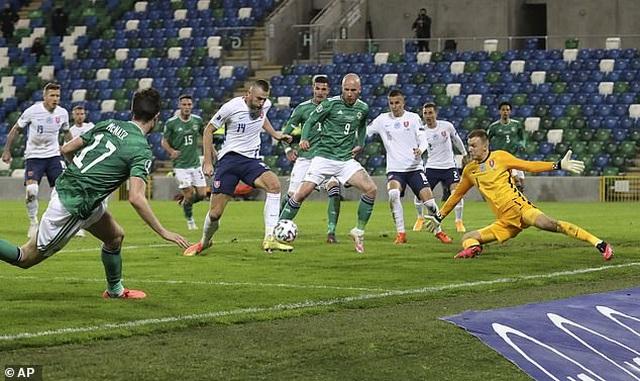 Xác định xong 4 đội bóng cuối cùng dự Euro 2021 - 9