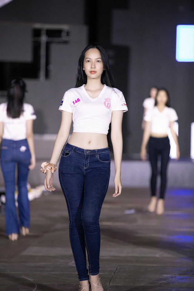 Ngắm nhan sắc Top 5 Người đẹp biển Hoa hậu Việt Nam 2020 - 16