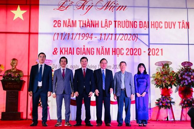 Trường ĐH Duy Tân công bố thành lập 5 trường đào tạo - 1