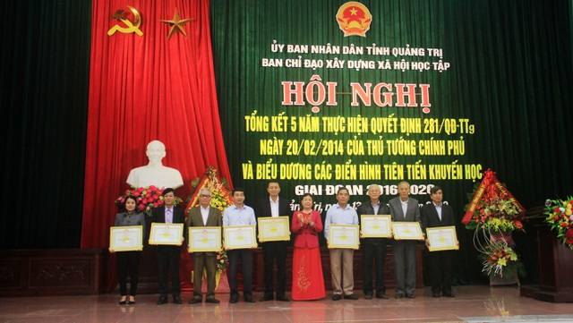 Quảng Trị: Xây dựng xã hội học tập đã góp phần nâng cao dân trí - 1