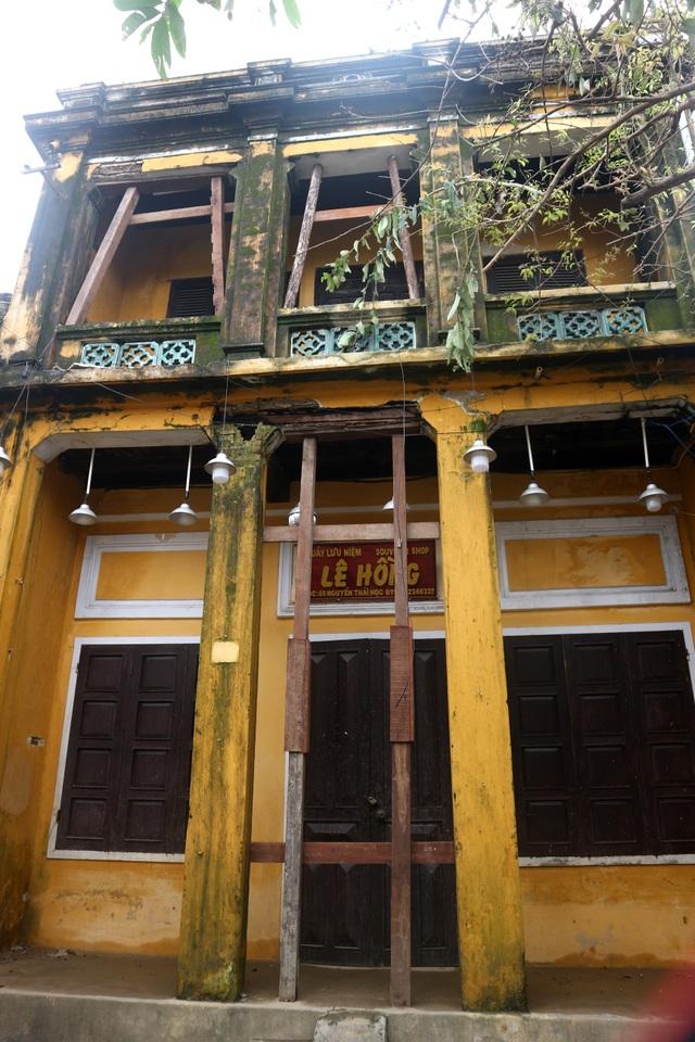 Hội An chèn chống di tích, nhà cổ trước khi bão 13 đổ bộ - 2