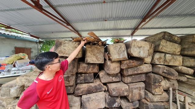 Cả trăm m3 gỗ quý nằm vạ vật chờ... hỏng tại Ban quản lý rừng - 7