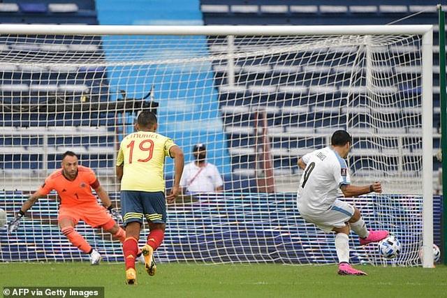 Cavani và Luis Suarez tỏa sáng ở vòng loại World Cup - 3