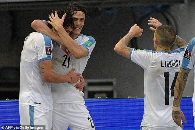 Cavani và Luis Suarez tỏa sáng ở vòng loại World Cup - 2