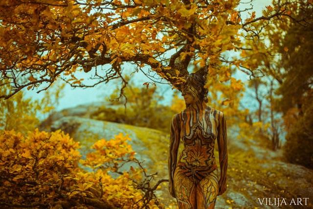 """Những bức vẽ """"body-painting"""" của mùa thu - 10"""