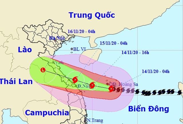 Bão Vamco tăng cường độ, áp sát vùng biển Quảng Bình - Quảng Ngãi - 1