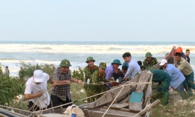 Vùng ven biển đã có gió to, người dân cấp tập chống bão - 7