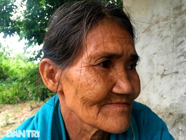 Thương cảnh mẹ già đau xé lòng nhốt 2 con tâm thần suốt 10 năm - 7