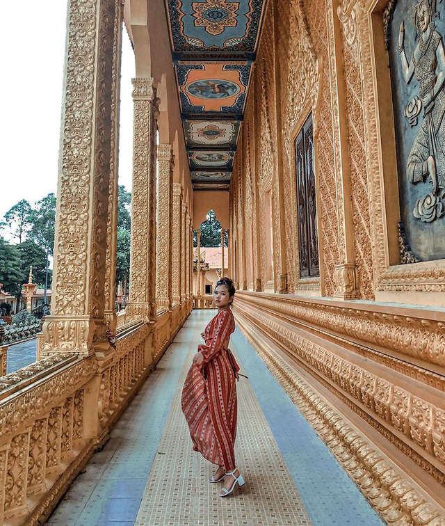 "The ""gilded"" pagoda has the largest outdoor reclining Buddha statue in Vietnam - 12"