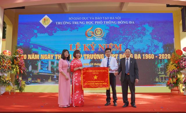 Trường THPT đầu tiên mang tên quận Đống Đa kỷ niệm 60 năm thành lập - 4