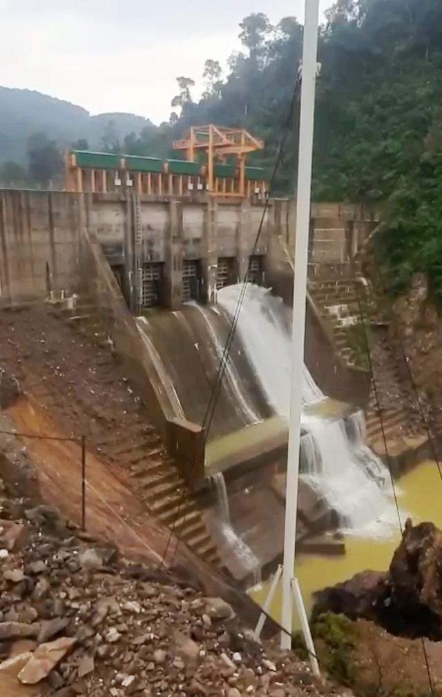 Thừa Thiên Huế cưỡng chế một nhà máy thủy điện xả nước trước bão số 13 - 1