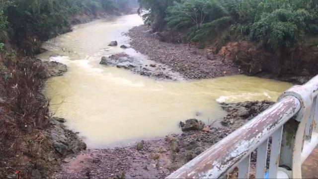Thừa Thiên Huế cưỡng chế một nhà máy thủy điện xả nước trước bão số 13 - 2