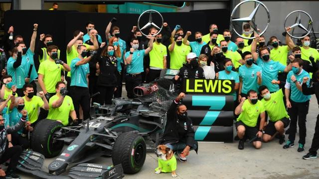 Trận thuỷ chiến trên đường đua xác định nhà vô địch thế giới F1 năm 2020 - 19