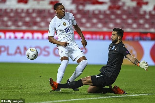 C.Ronaldo im tiếng, Bồ Đào Nha gục ngã trước Pháp - 3