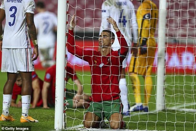 C.Ronaldo im tiếng, Bồ Đào Nha gục ngã trước Pháp - 4