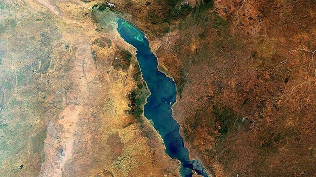 Lục địa Châu Phi đang sụp đổ - 1