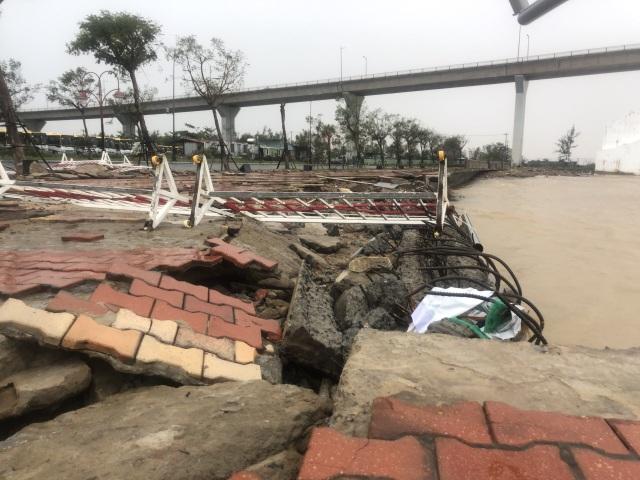 Bão số 13 chạy dọc biển miền Trung, từ Huế về Hà Tĩnh - 29