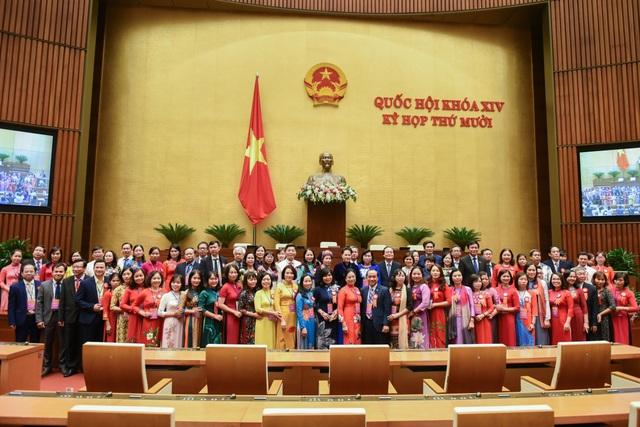 Chủ tịch Quốc hội gặp gỡ các nhà giáo tiêu biểu toàn quốc - 4