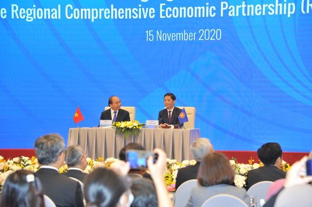 Nóng: Việt Nam vừa ký hiệp định thương mại lớn nhất thế giới  - 1
