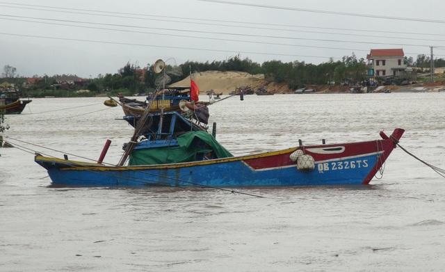 Bão Vamco làm hơn 1.500 nhà tốc mái, 18 người bị thương - 4