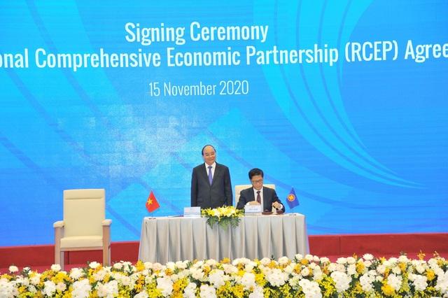 Nóng: Việt Nam vừa ký hiệp định thương mại lớn nhất thế giới  - 3