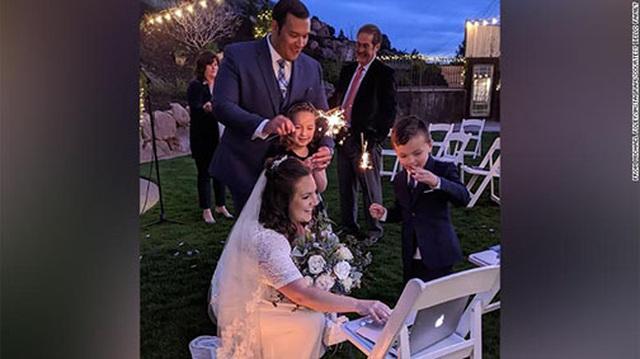 """""""Đám cưới sân sau"""" - cứu tinh cho ngành dịch vụ hôn lễ Mỹ - 2"""