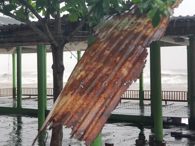 Bão số 13 chạy dọc biển miền Trung, từ Huế về Hà Tĩnh - 9