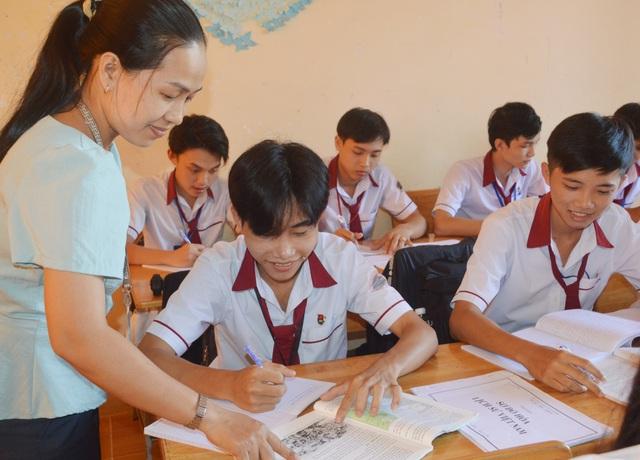 """Cô giáo """"truyền lửa"""" cho học sinh mê Sử với dự án """"Sóc Trăng quê hương tôi"""" - 2"""