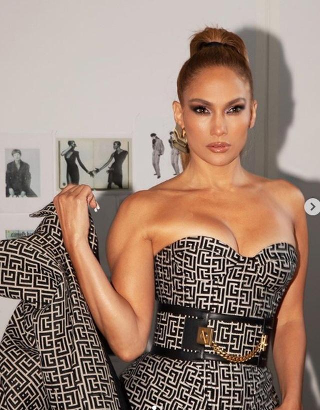 Jennifer Lopez trẻ đẹp như công chúa - 8