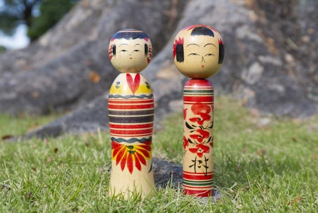"""Búp bê Kokeshi """"chào đời"""" từ suối nước nóng và chốn rừng già Tohoku - 1"""