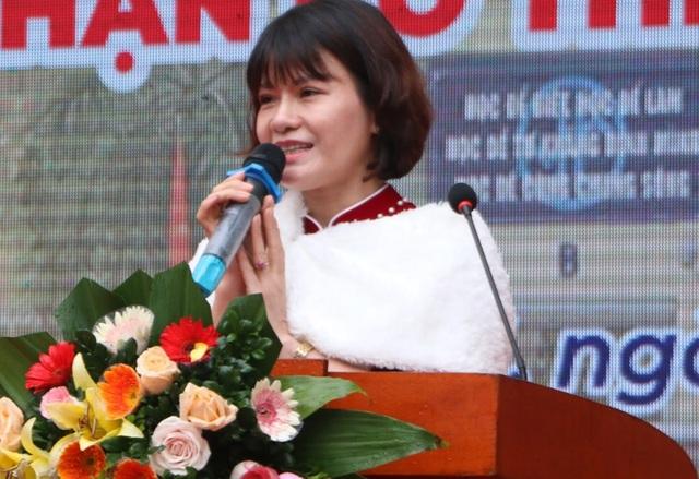 Trường THPT Yên Hòa kỉ niệm 60 năm thành lập và nhận Cờ thi đua Chính phủ - 2