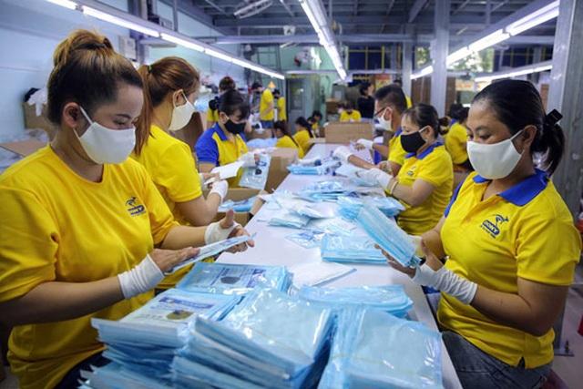 Có thêm 65.000 chỗ làm việc dịp cuối năm, thị trường lao động TP.HCM khởi sắc - 1