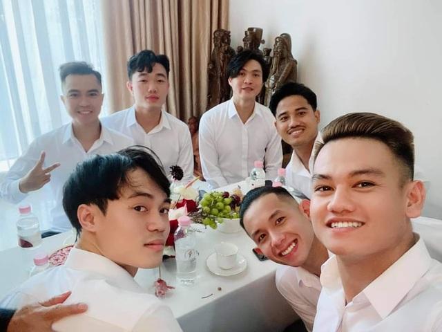 Tuấn Anh, Xuân Trường, Văn Toàn bê tráp trong đám cưới Công Phượng - 2