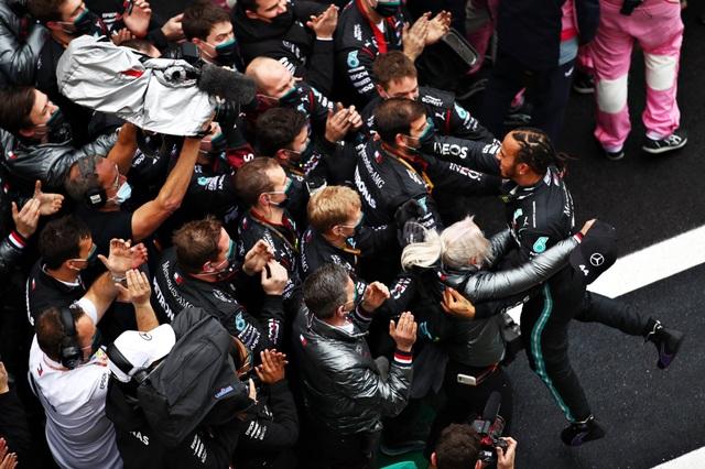 Trận thuỷ chiến trên đường đua xác định nhà vô địch thế giới F1 năm 2020 - 15