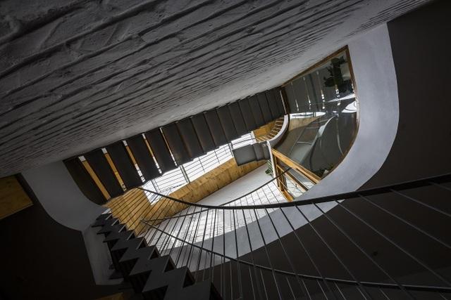 Nằm sâu trong ngõ nhỏ, ngôi nhà Hà Nội vẫn nổi bật bởi thiết kế không ngờ - 5