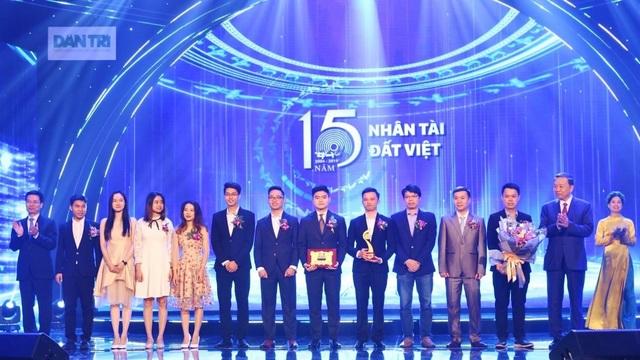 Nhân tài Đất Việt 15 năm.jpg