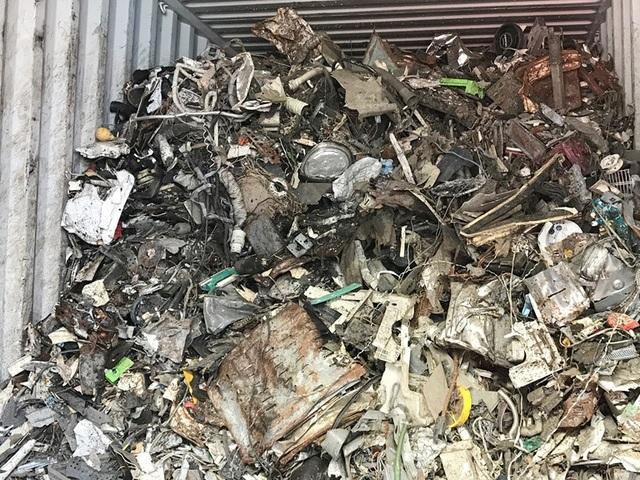 """Hải quan vẫn """"lấn cấn"""" trong việc xử lý các container rác, phế liệu?! - 2"""