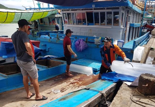 Khánh Hòa: Ngư dân hối hả vươn khơi Trường Sa sau bão số 13 - 3
