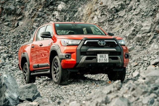 """""""Tài già"""" cũng trầm trồ trước công nghệ an toàn trên dòng xe Toyota mới - 2"""