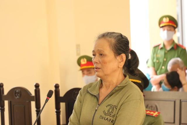 Người phụ nữ ngược đãi mẹ ruột 79 tuổi lãnh án 4 năm tù - 2