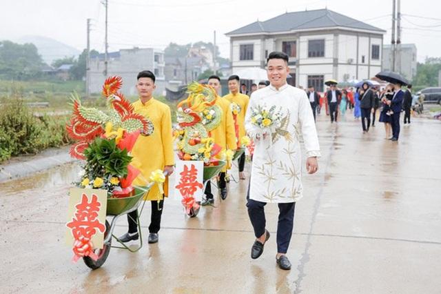 Đám hỏi ở Thái Nguyên gây chú ý vì dàn siêu xe cút kít chở tráp lễ - 8