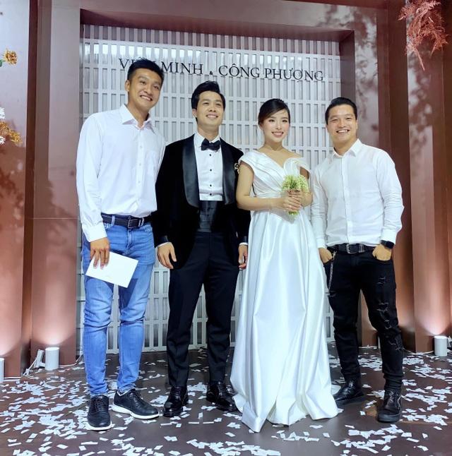 Bạn bè và đồng nghiệp ra Phú Quốc chờ đám cưới của Công Phượng - 1