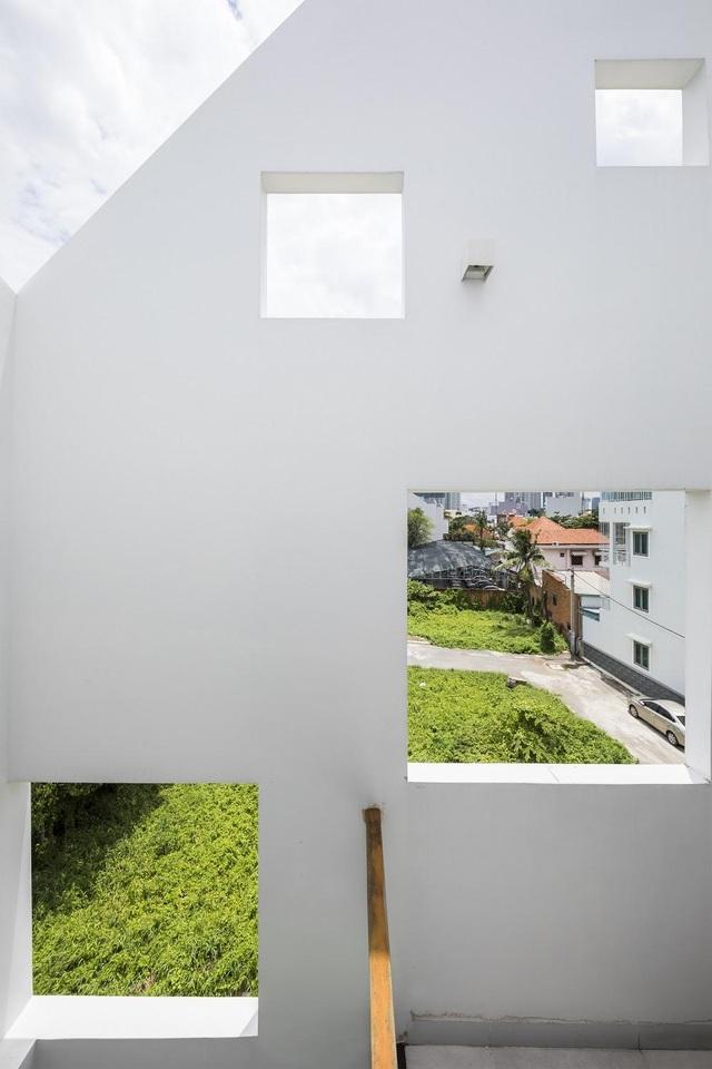 Khám phá bí mật đằng sau ngôi nhà có nhiều cửa sổ ở Sài Gòn - 14