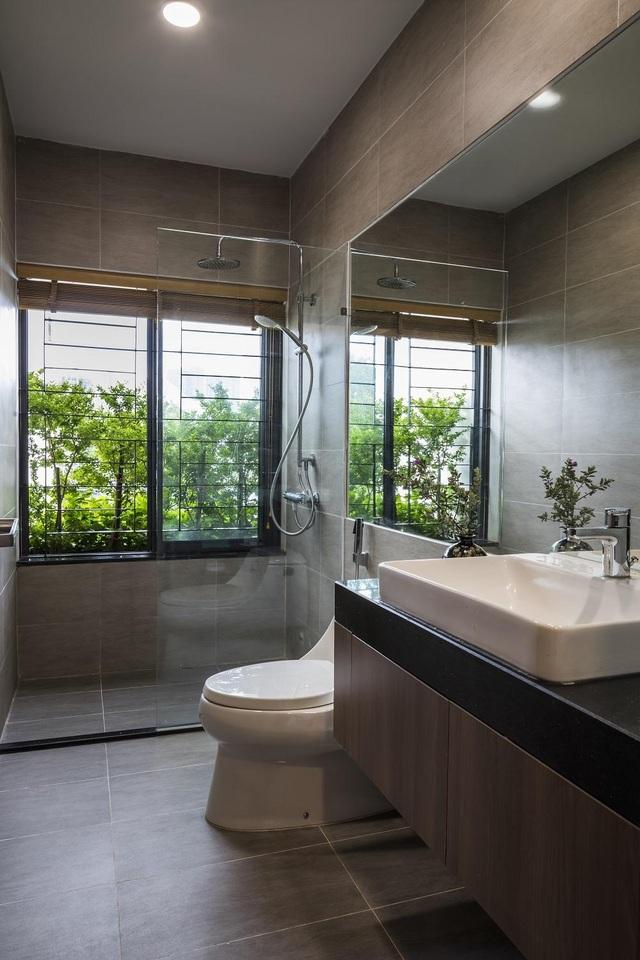 Khám phá bí mật đằng sau ngôi nhà có nhiều cửa sổ ở Sài Gòn - 15